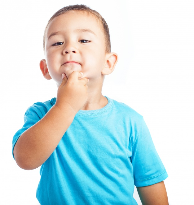 child-with-hand-on-chin_1187-2805