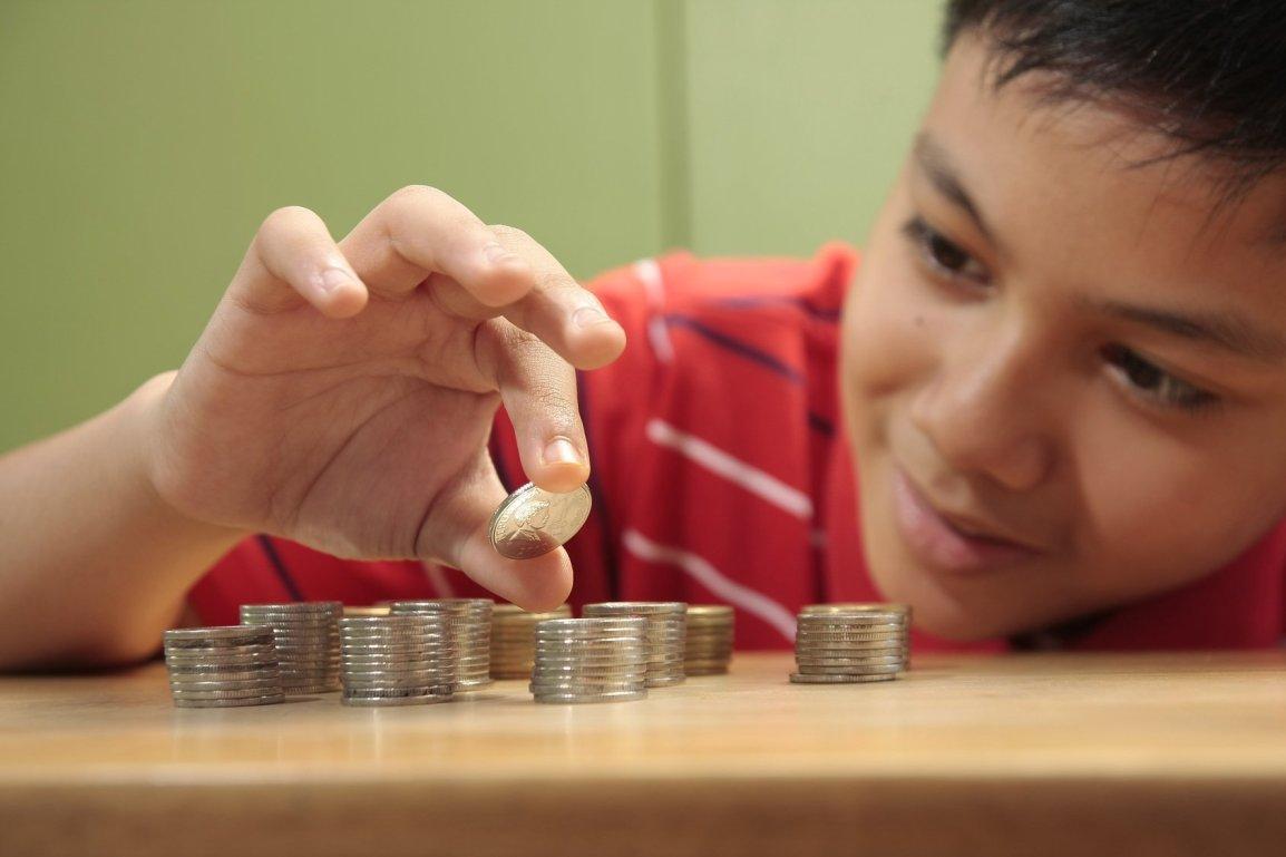 finance-for-children2-kidsstoppress.jpg