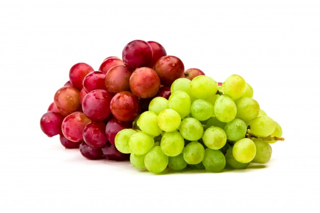 green-and-red-grape-isolated-on-white_1232-1957.jpg
