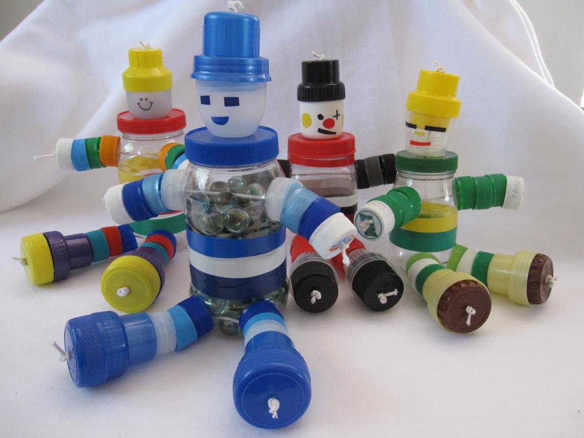 Faça um boneco de tampinhas com ascrianças
