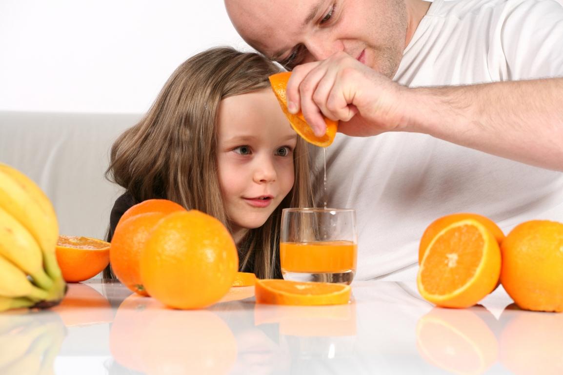 Frutas devem fazer parte da alimentação diária dascrianças