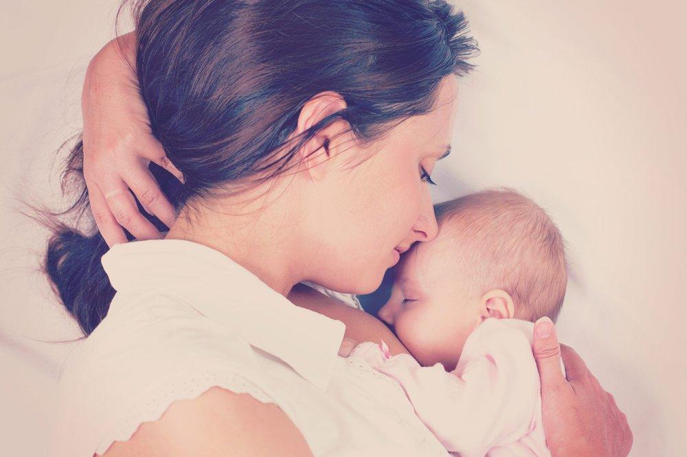 Menos da metade das mães alimentam exclusivamente com leitematerno