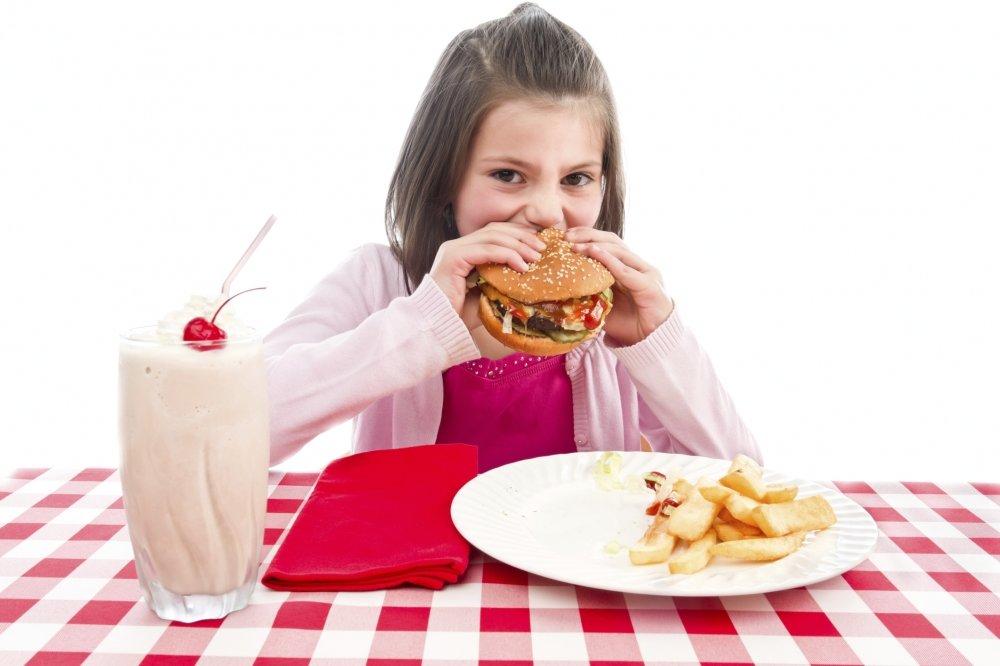 Má alimentação já começa na infância, dizpesquisa
