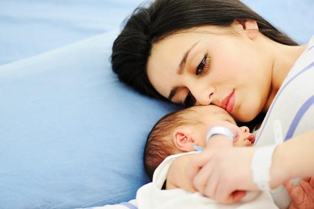 Depressão pós-parto afeta duas a cada dezmulheres