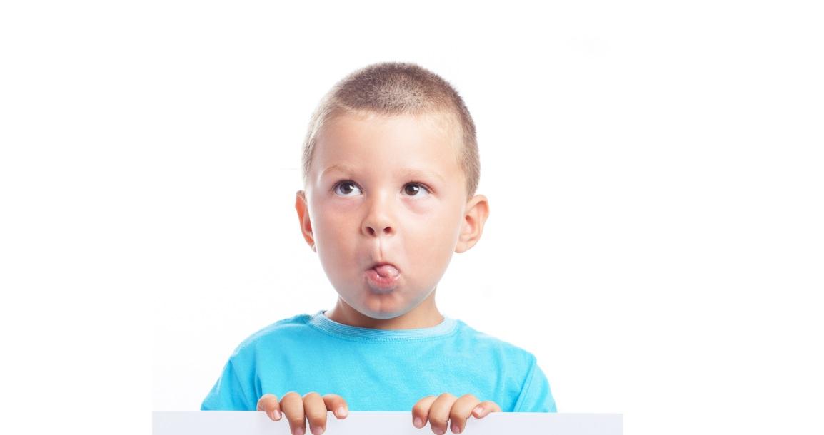 Descubra como reconhecer se a criança tem a línguapresa