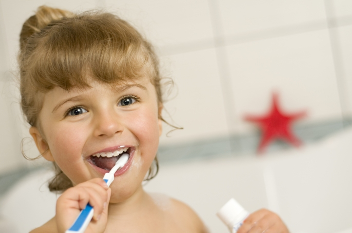 fio dental dentista crianças